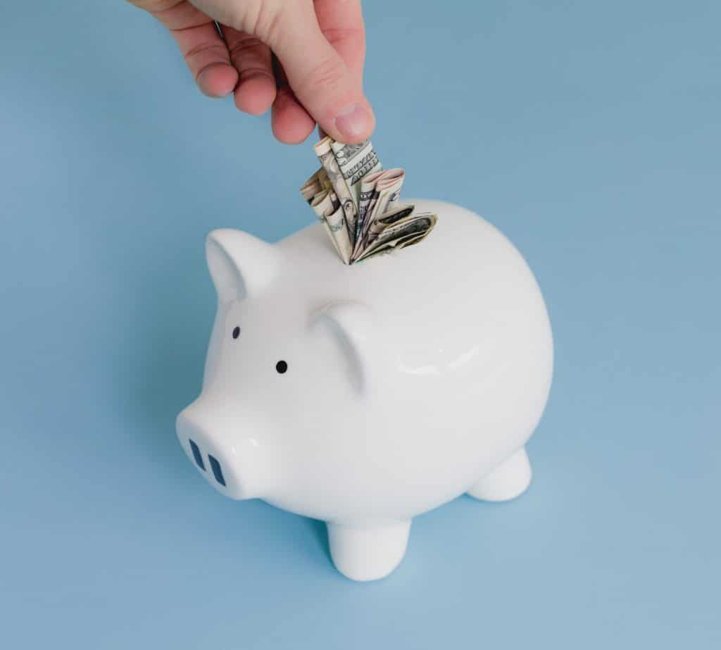 saving money piggy bank1 4460x4460 - Assurance dommages-ouvrage : le guide pour les particuliers & les professionnels